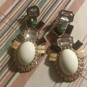 2 pair's of earrings